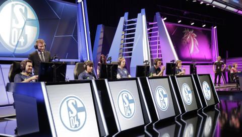 Warum Fußballvereine wie Schalke 04 im E-Sport mitmischen