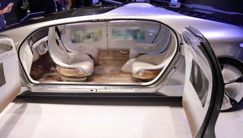 """Autos werden uns zuhören"": Daimler-Zukunftsforscher Alexander Mankowsky im Interview"