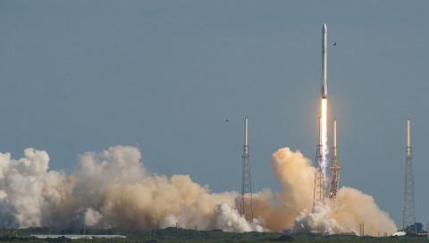 SpaceX erhält seinen ersten Militärauftrag