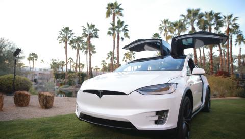 Verbraucherschützer lassen Tesla durchfallen