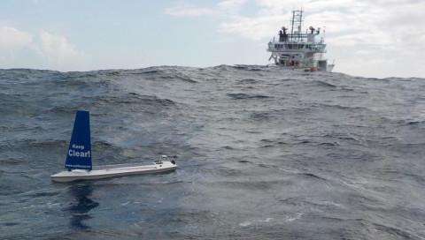 Der autonome Solarsegler SailBuoy hat den Atlantik überquert