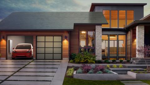 Tesla startet seine Solardach-Produktion