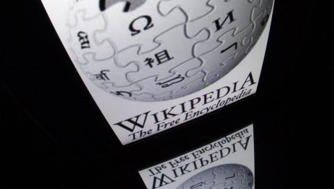 Was Bot-Kämpfe auf Wikipedia mit selbstfahrenden Autos zu tun haben