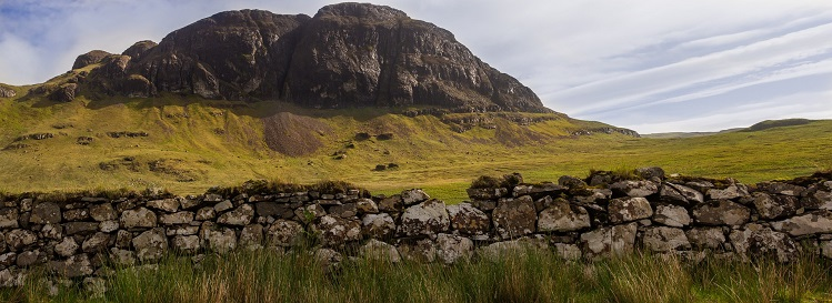 Paisaje cerca de la bahía de Talisker (Skye). Imagen por Katjasv