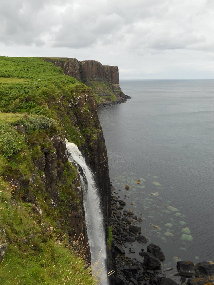 Vista de la cascada Kilt Rock, en la isla de Skye. Fotografía de Mireia Company