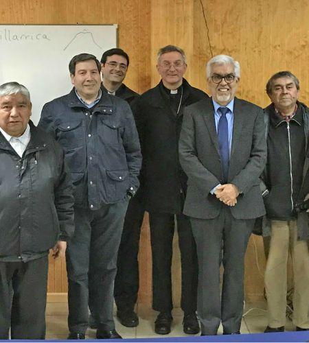 Presidente de Comisión local y encargado de Comunicaciones visitaron Diócesis de Villarrica