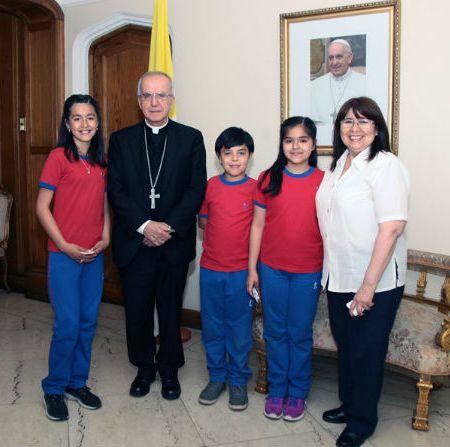Estudiantes del Colegio Alberto Pérez de Maipú envían carta al Papa
