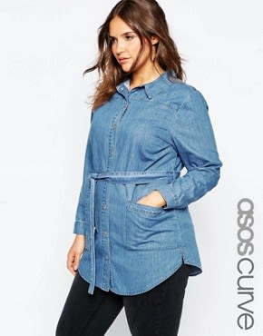ASOS CURVE - Jeanshemd mit Gürtel - Blau