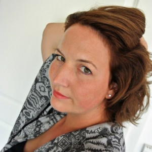 Julia von INBETWEENIE MUST HAVES