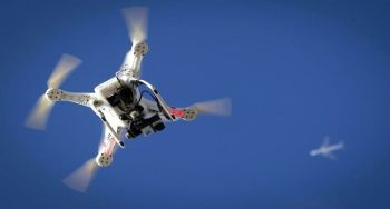 Plane-drone conflict in Quebec City of Canada