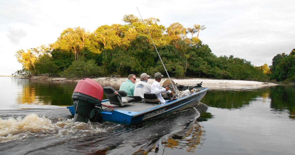 Brazil vacation package amazon peacock bass fishing 6 for Fishing vacation packages
