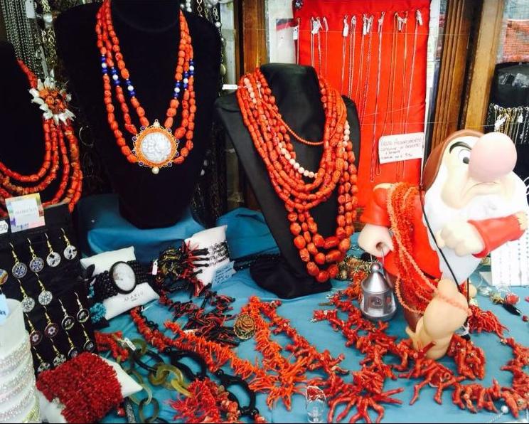 Collane e accessori in corallo