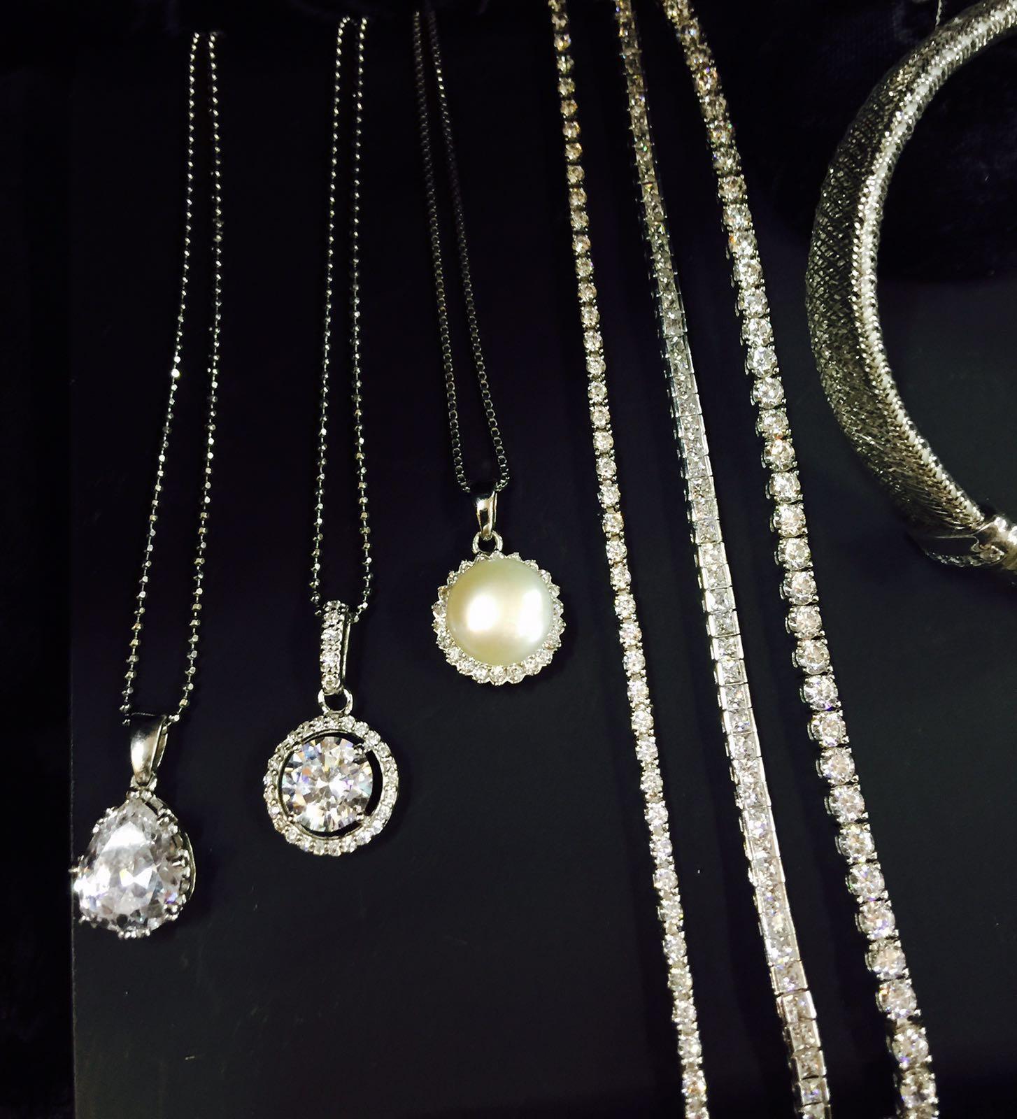 bracciali e collane in argento