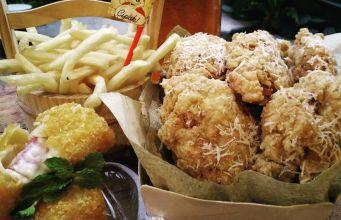 Lapak Cipok, Chiken Poke Corn, Kuliner Mantap Pelepas Hasrat Lapar