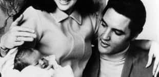 Elvis Presley mit seiner Familie
