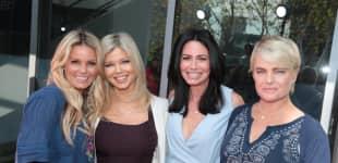 Kelly Packard, Donna D'Errico, Nancy Valen und Erika Eleniak