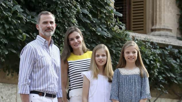 König Felipe von Spanien Königin Letizia Prinzessin Leonor und Sofia