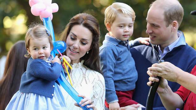 Prinzessin Charlotte, Herzogin Catherine, Prinz George und Prinz William