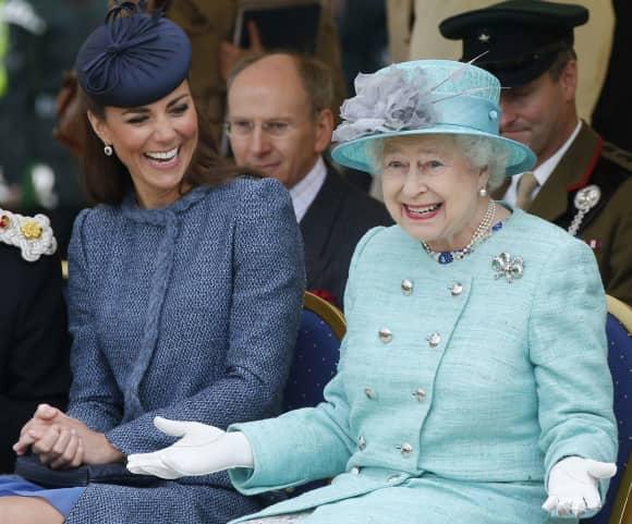 Kate Middleton und Königin Elisabeth II.