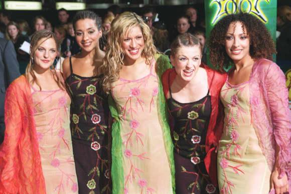 No Angels 2002: Sandy Mölling, Nadja Benaissa, Vanessa Petruo, Lucy Diakovska und Jessica Wahls