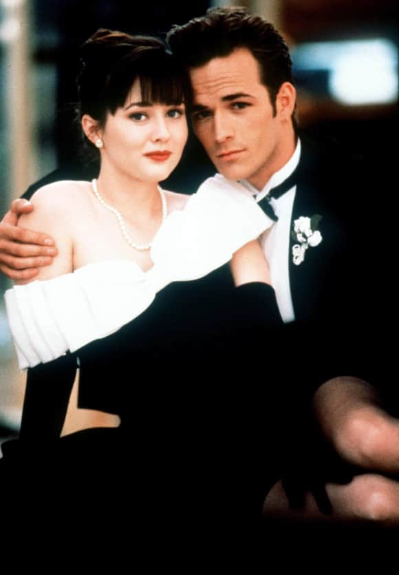 Shannon Doherty und Luke Perry 1992