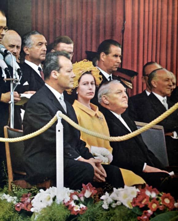 Willy Brandt, Königin Elisabeth II und Ludwig Erhard