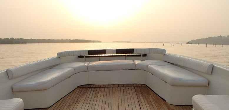 Luxury yacht 4