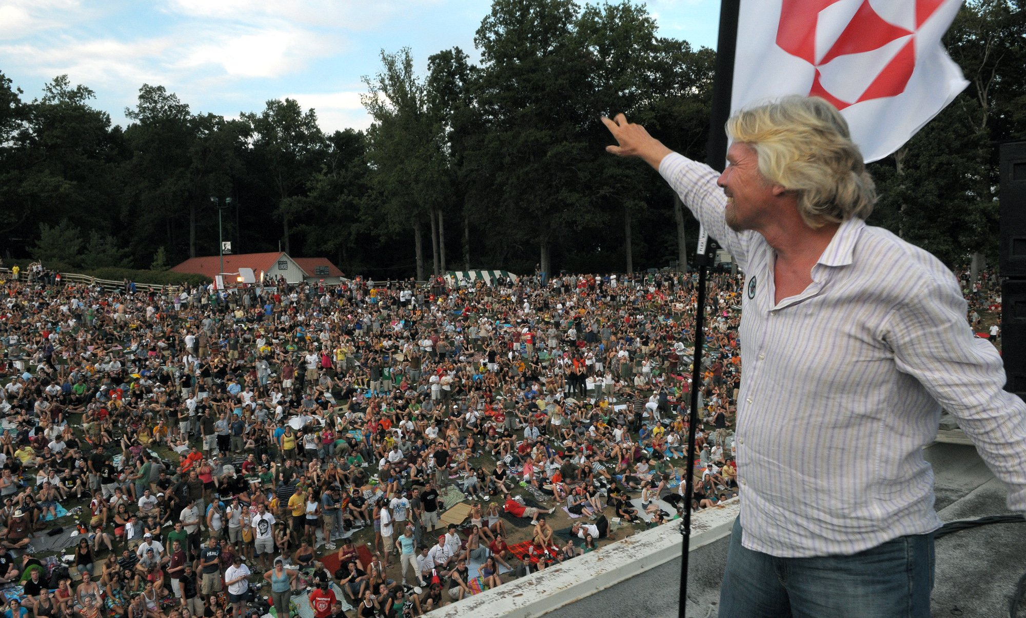 Richard waves to crowd at Free Festival
