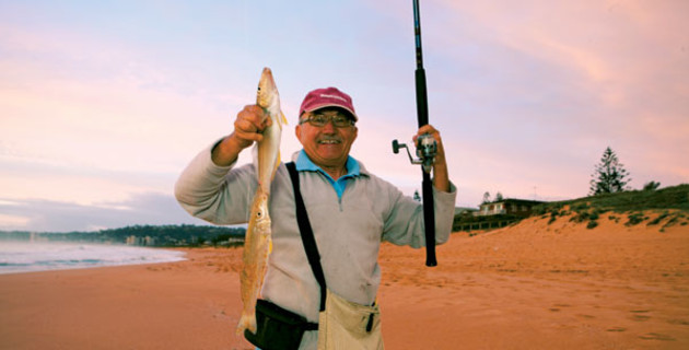 Surf sand special fighting whiting fishing world for Rei fishing gear
