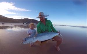 VIDEO: Fraser Island livebaiting