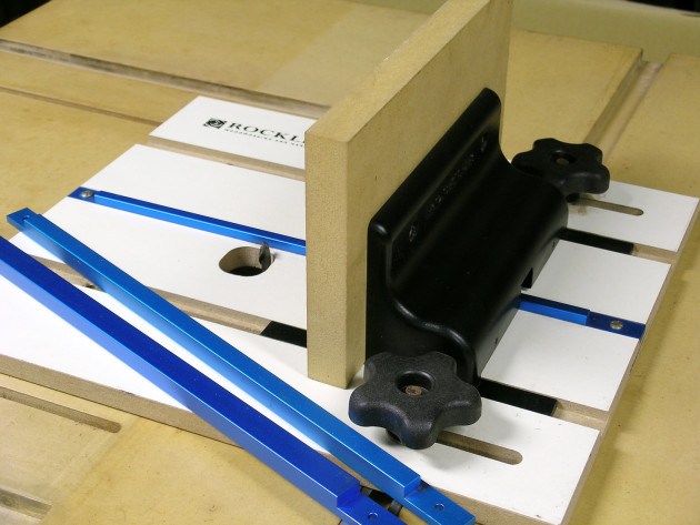 Rockler router table box joint jig australian wood review rockler being an american product measurements are in imperial hence the jig is designed to fit a 34 mitre slot on a router table and caters for 14 greentooth Image collections