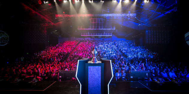 eSports OPL Grand Final trophy and crowd