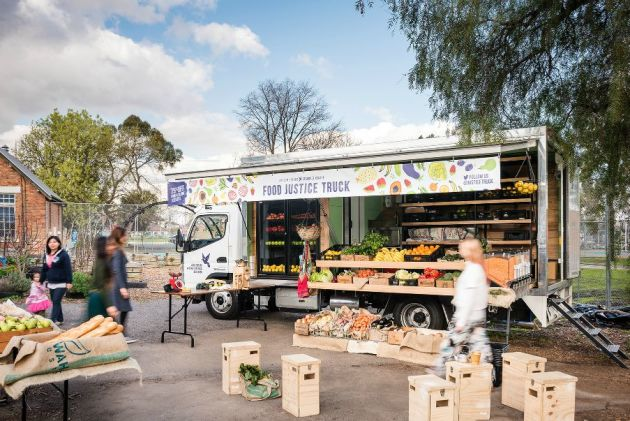 The Food Justice Truck offers reduced priced fresh produce to struggling asylum seekers (Image: Asylum Seeker Resource Centre)