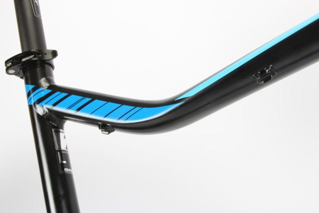 <p>Giant even thought to include cable guides for a remote adjustable height seatpost - nice!</p>