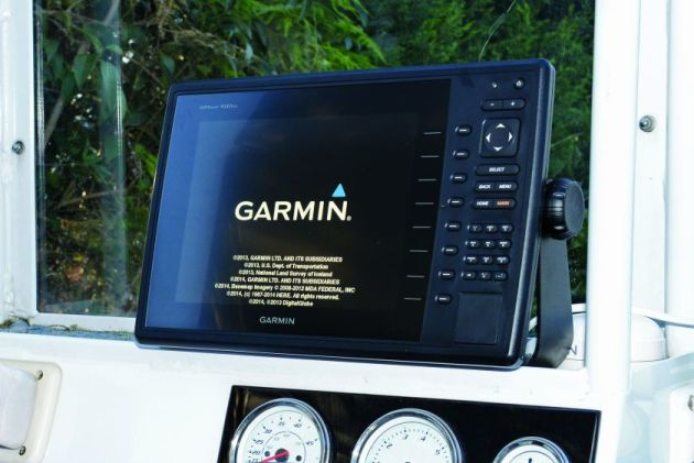 The Garmin 1020XS installed on Sami's AMM centre console.