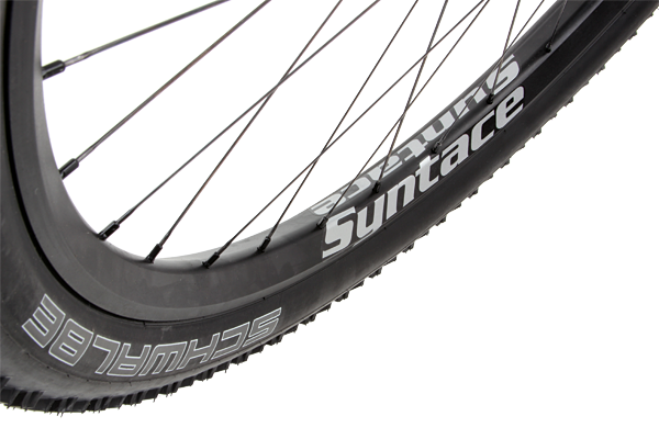 The Syntace W35 wheelset gave our 2.25-inch wide tyres a larger than life appearance.
