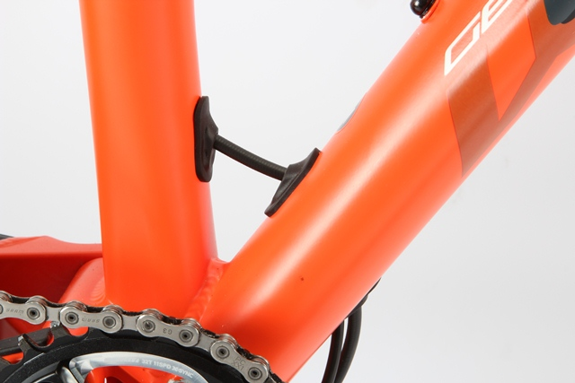 Whyte%20-%20stealth%20routing.JPG