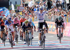 Giro d'Italia: Riders Prepare For Queen Stage ... Double Ascent Of The Stelvio