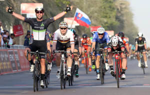 VIDEO: Caleb Ewan, Marcel Kittel Crash In Abu Dhabi As Mark Cavendish Takes Win