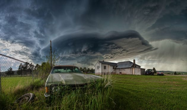 We drove up a hill to get a good vantage point. As we pulled up at a cemetery, it looked like the world was about to be eaten by this beast of a storm. Canon EOS 5D Mark II, 17-40mm lens @ 17mm, 1/125sec @ f8, ISO 400.