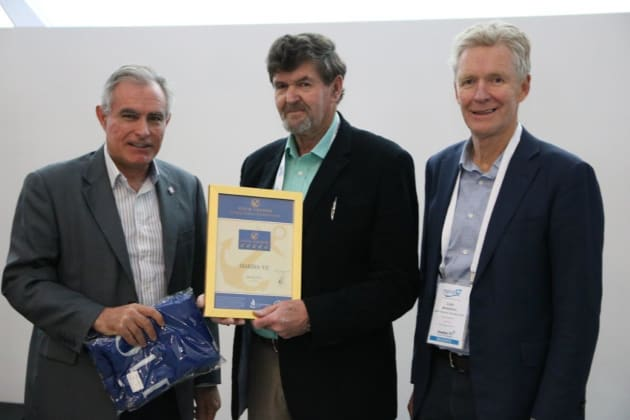 Allan Cayzer from Marina YE (centre) collects the Gold Anchor accreditation from MIA's Andrew Chapman (left) and Colin Bransgrove (right).