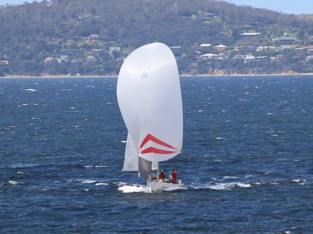Former Sydney Hobart Winner Excels On Windy Derwent