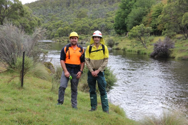 Chris Darlington (NPWS) and Simon French from trail building company Dirt Art; both are keen to share the new section of the Thredbo Valley Trail.