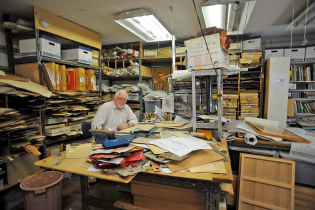 Michae-Retter-in-his-studio.jpg
