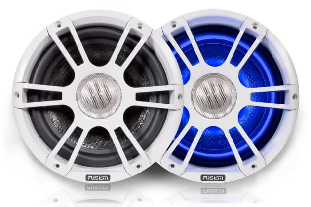 The new Sports White Signature Speaker from Fusion with blue illumination.