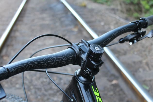 All Range 29ers come with a 40mm stem while 27.5 models get a 50mm stem.