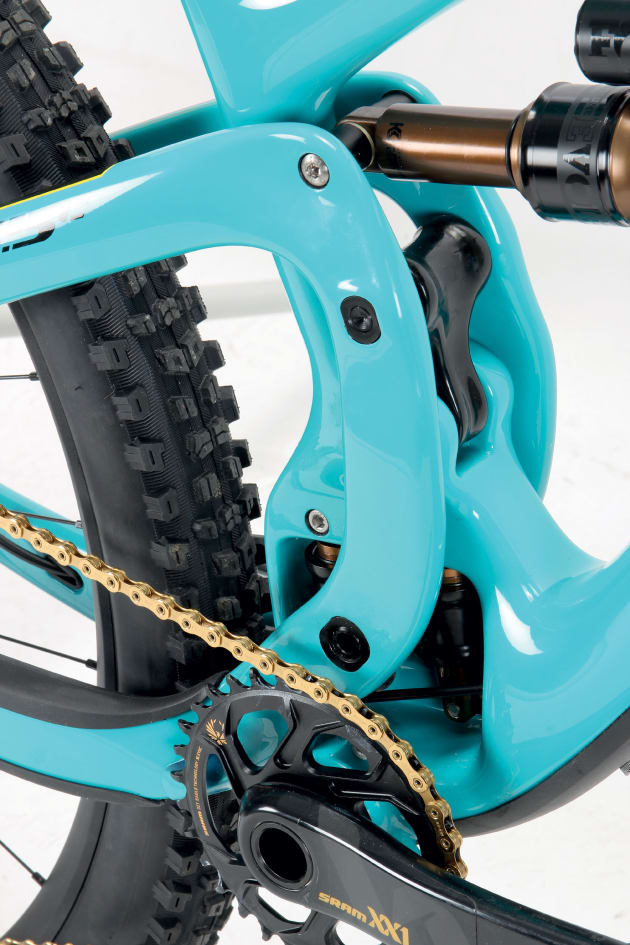 With no front derailleur mount, Yeti was able to beef up the swingarm and shorten the chainstay length.