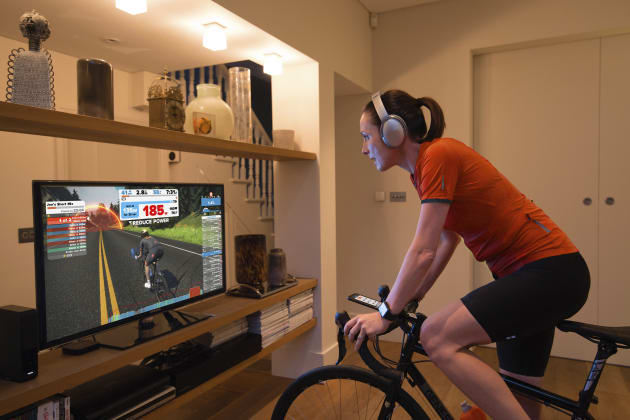 No traffic, no rain, no wind, no cold ... Zwift allows riders to improve their fitness from the convenience of home. Image: Zwift.