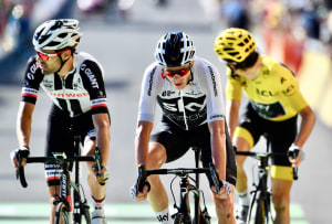 Tour de France Gallery: Fraile Wins In Mendes As Thomas, Froome & Dumoulin Retain Top Three