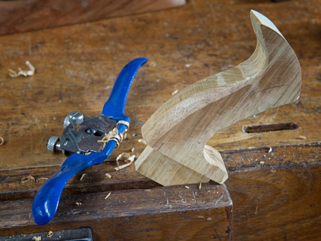 07.BuildHandplane.This-is-where-a-spokeshave-excells.jpg